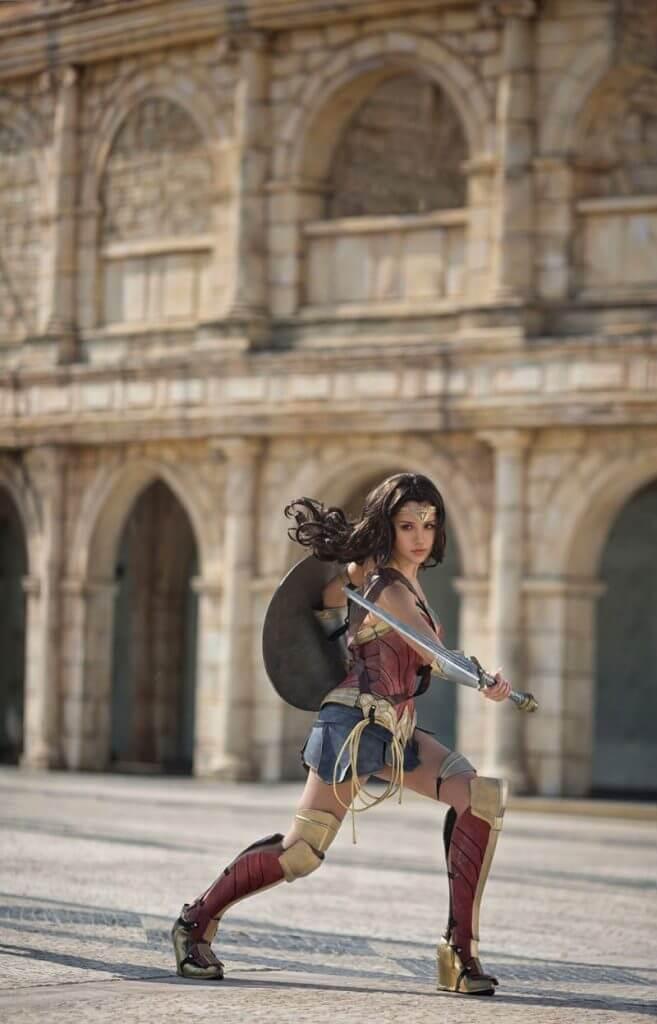 Cosplay Wonder Woman tuyệt vời như phim!