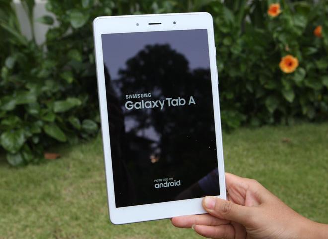 """Đánh giá nhanh Galaxy Tab A 8.0: Giá """"ngon"""", chiến game mượt"""