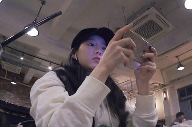 """Ngoài hát hay và nhảy đẹp, các nữ idol Kpop này còn cho game thủ nam """"ăn hành thay cơm"""" trong PUBG"""
