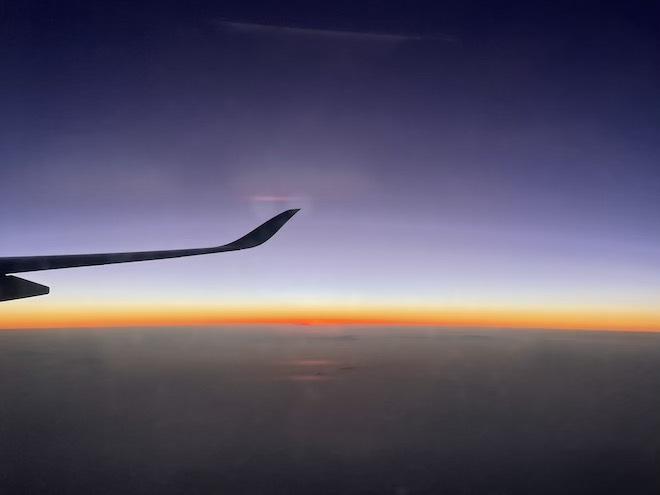 Cách truy cập internet, lướt Facebook vi vu dù trên máy bay ở độ cao 10.000m
