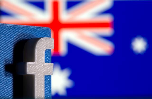 """""""Gã khổng lồ"""" Facebook buộc phải trả tiền cho một số hãng tin tức của Australia"""