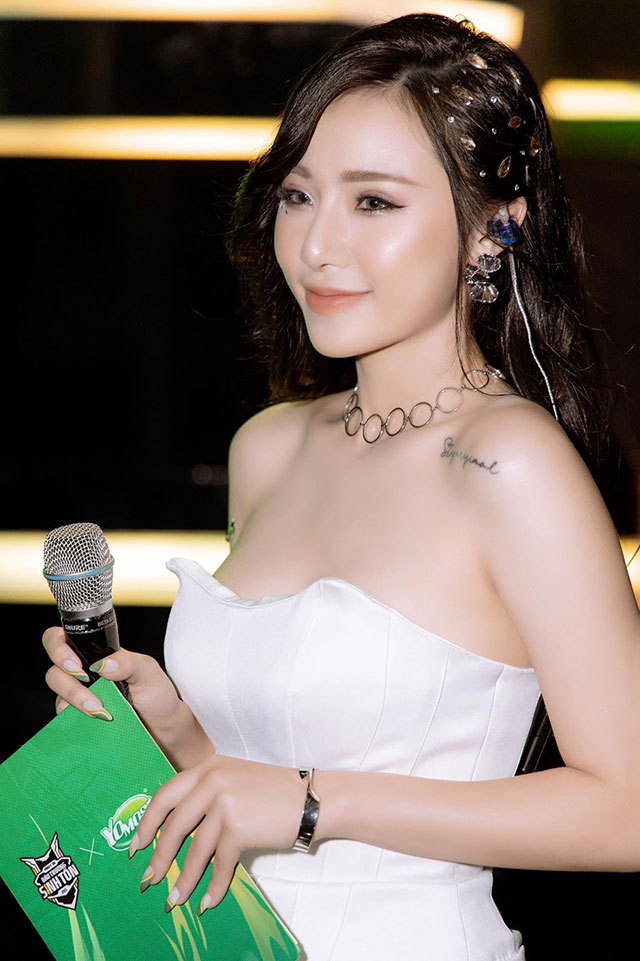 """Free Fire: MC Minh Anh """"biến hình"""" thành thục nữ xinh đẹp!"""
