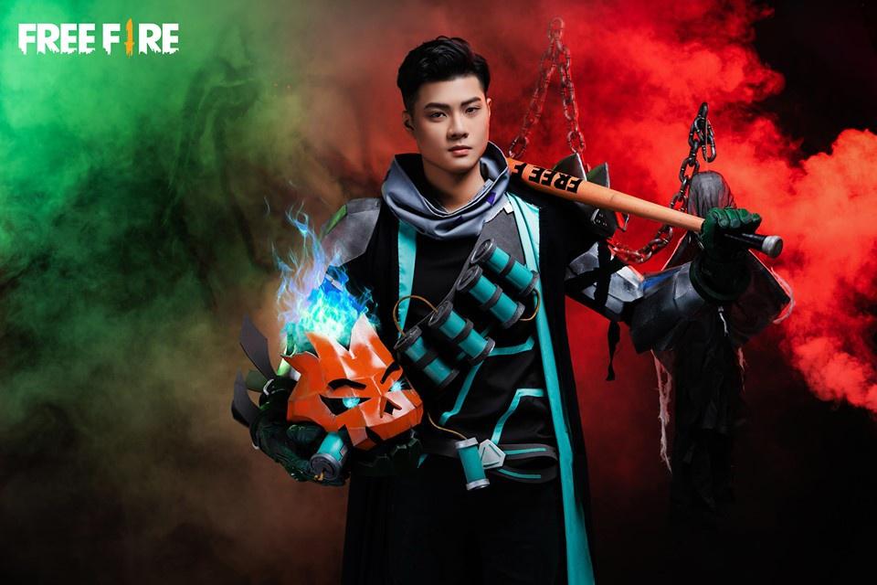 """Cận cảnh bộ ảnh cosplay """"Chiến Binh Bí Ngô' Lưu trung TV"""