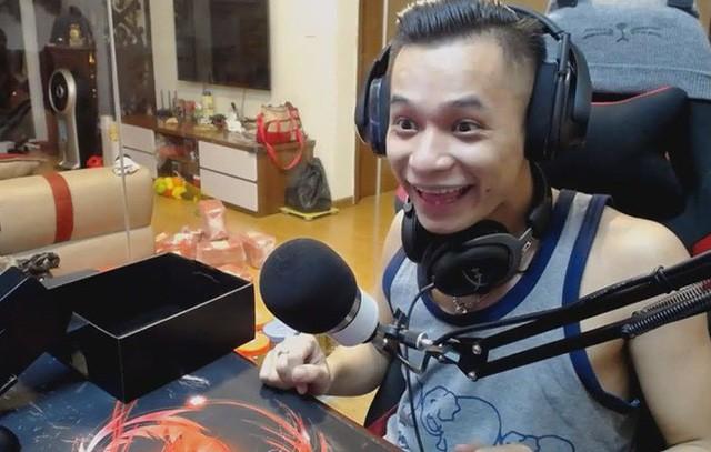 Những mặt trái từ các streamer nổi tiếng đang 'làm hư' thế hệ game thủ Việt