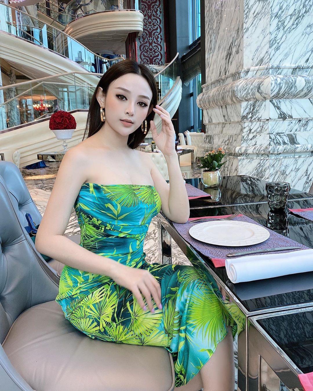 """Hot girl có biệt thự 100 tỷ giữa trung tâm Sài thành bị tố """"ăn bám"""" chồng đại gia"""
