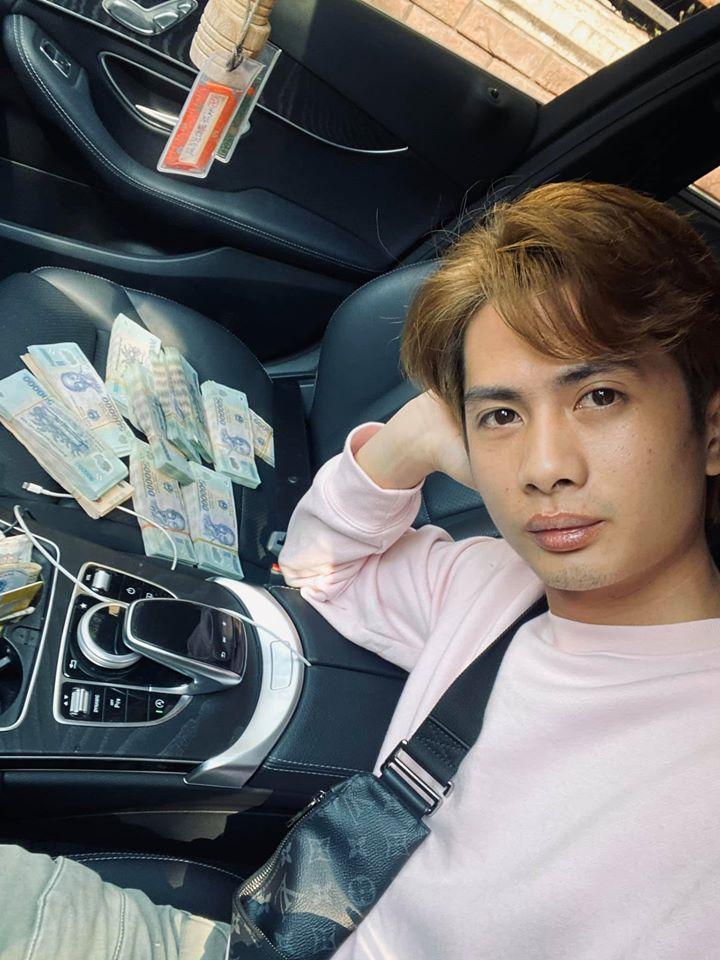 Chàng trai đoạt nút kim cương YouTube trách chủ nhà không giảm tiền thuê mặt bằng gây tranh cãi dữ dội