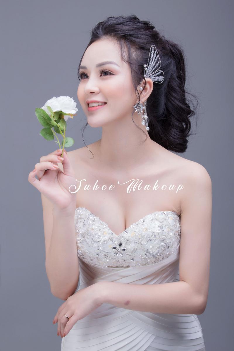 Top 8 Dịch vụ trang điểm đẹp tại nhà giá rẻ nhất tại Hà Nội