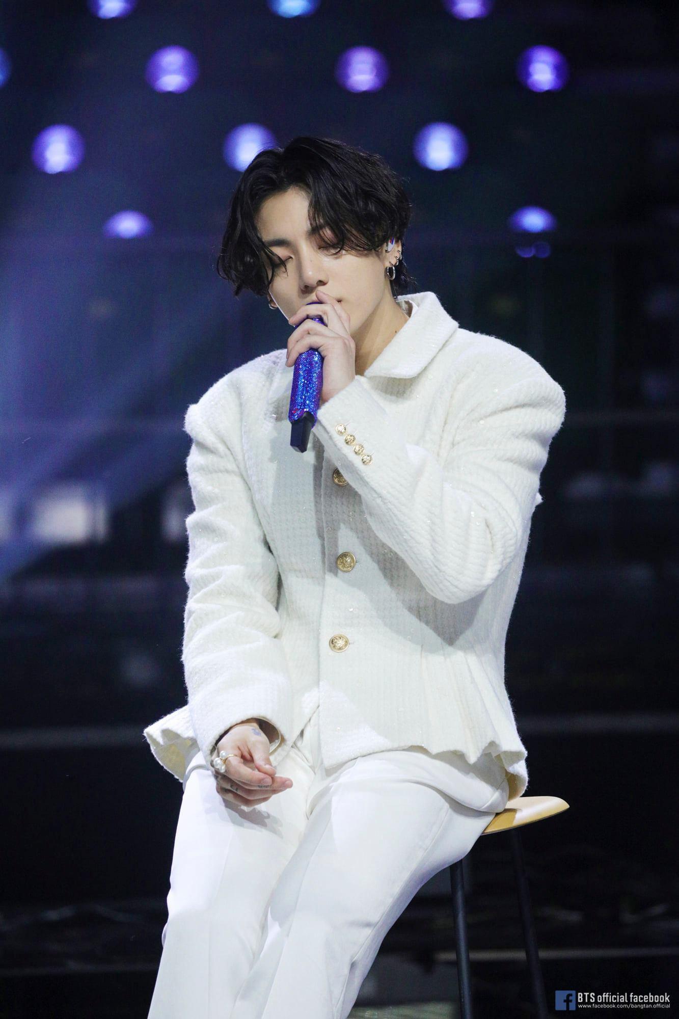 Jungkook (BTS) dẫn đầu bảng xếp hạng top 100 thần tượng Kpop 2020