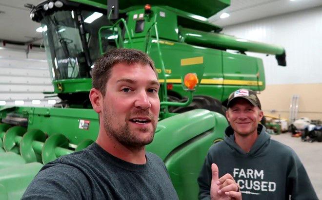 Kể chuyện cày cấy và đồng áng giúp anh nông dân kiếm bộn tiền từ Youtube