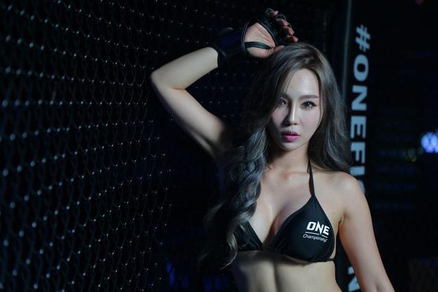 Chảy máu mũi với Lee Ji Na – cô nàng Ring Girl sexy và gợi cảm