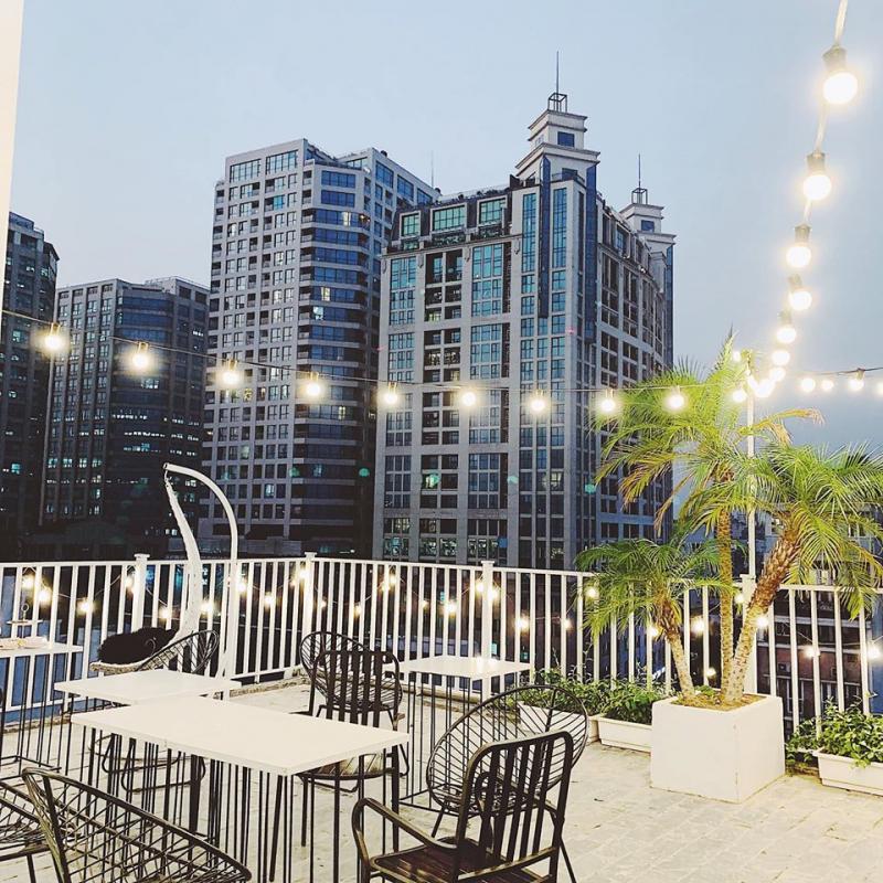 Top 13 Quán cafe sân thượng ngắm Hà Nội trên cao đẹp nhất