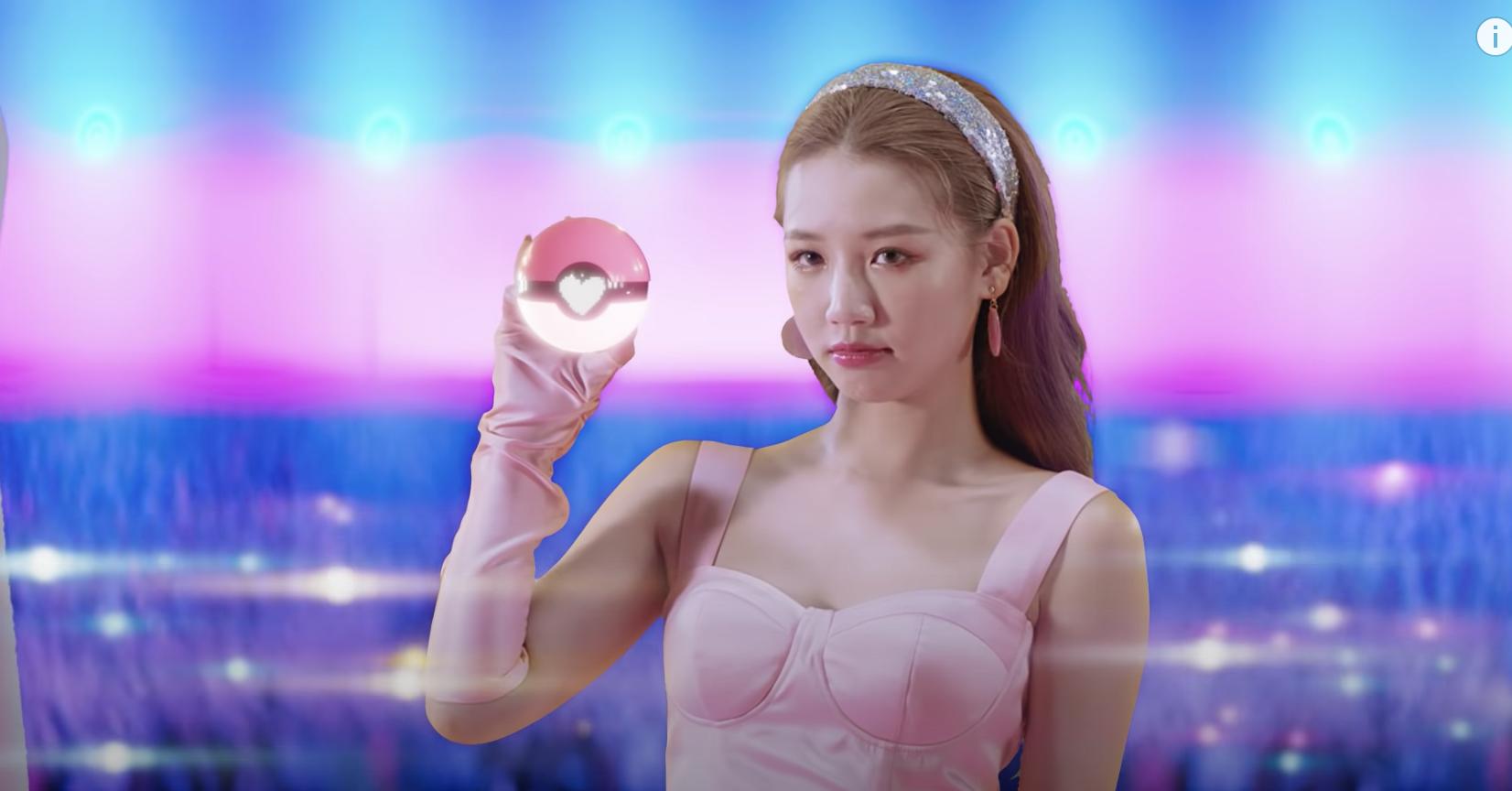 Amee hóa thân thành nhiều nhân vật game trong MV mới