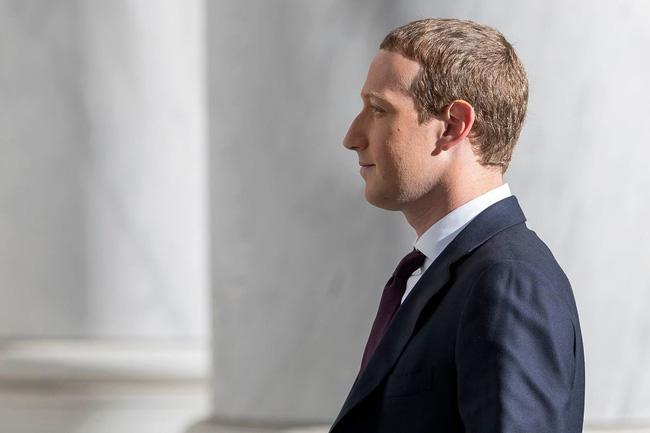 """CEO Facebook Zuckerberg chính là thủ phạm """"đốt nhà"""" TikTok?"""