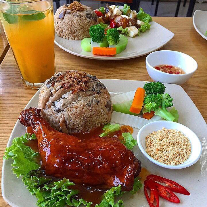 Top 10 Quán cơm gà ngon ở Hà Nội