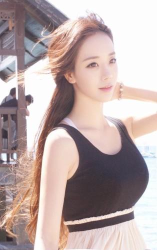 """Ngất ngây trước vẻ đẹp """"đằm thắm"""" của nữ game thủ FPS Hàn Quốc"""