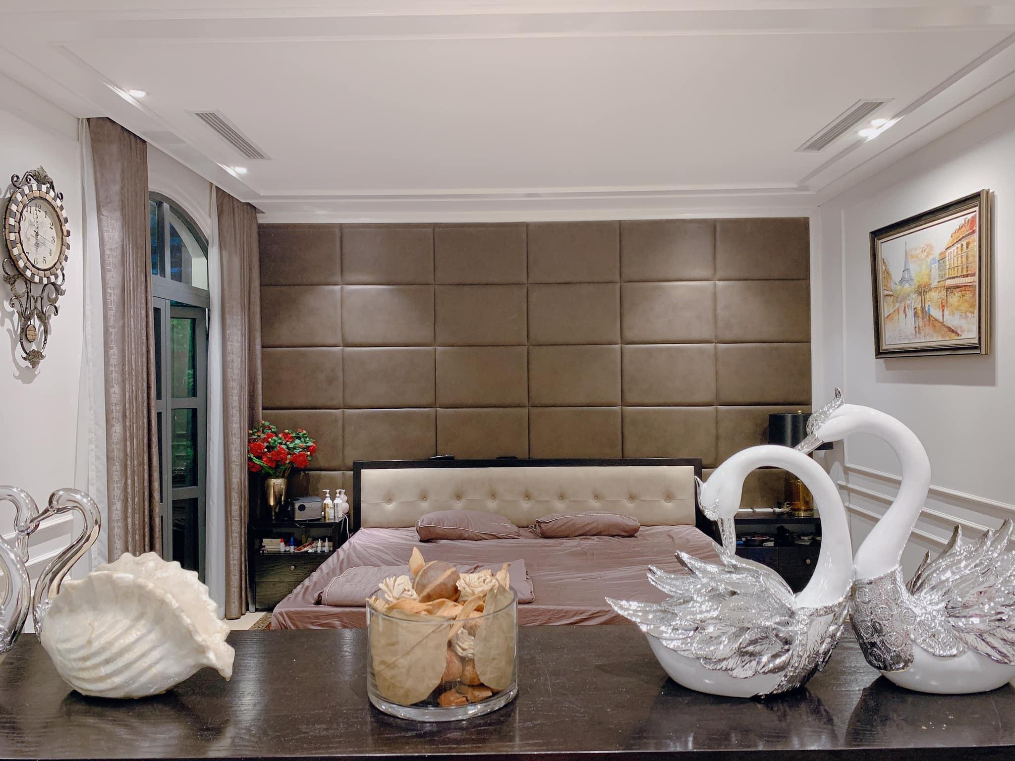 Hé lộ nội thất sang trọng ở biệt thự tiền tỷ của Tuấn Hưng và vợ hot girl