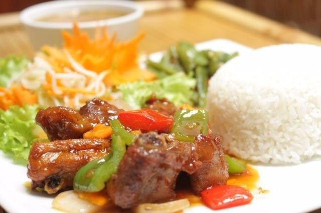 Top 4 Quán cơm ngon nhất gần bệnh viện Bạch Mai, Hà Nội