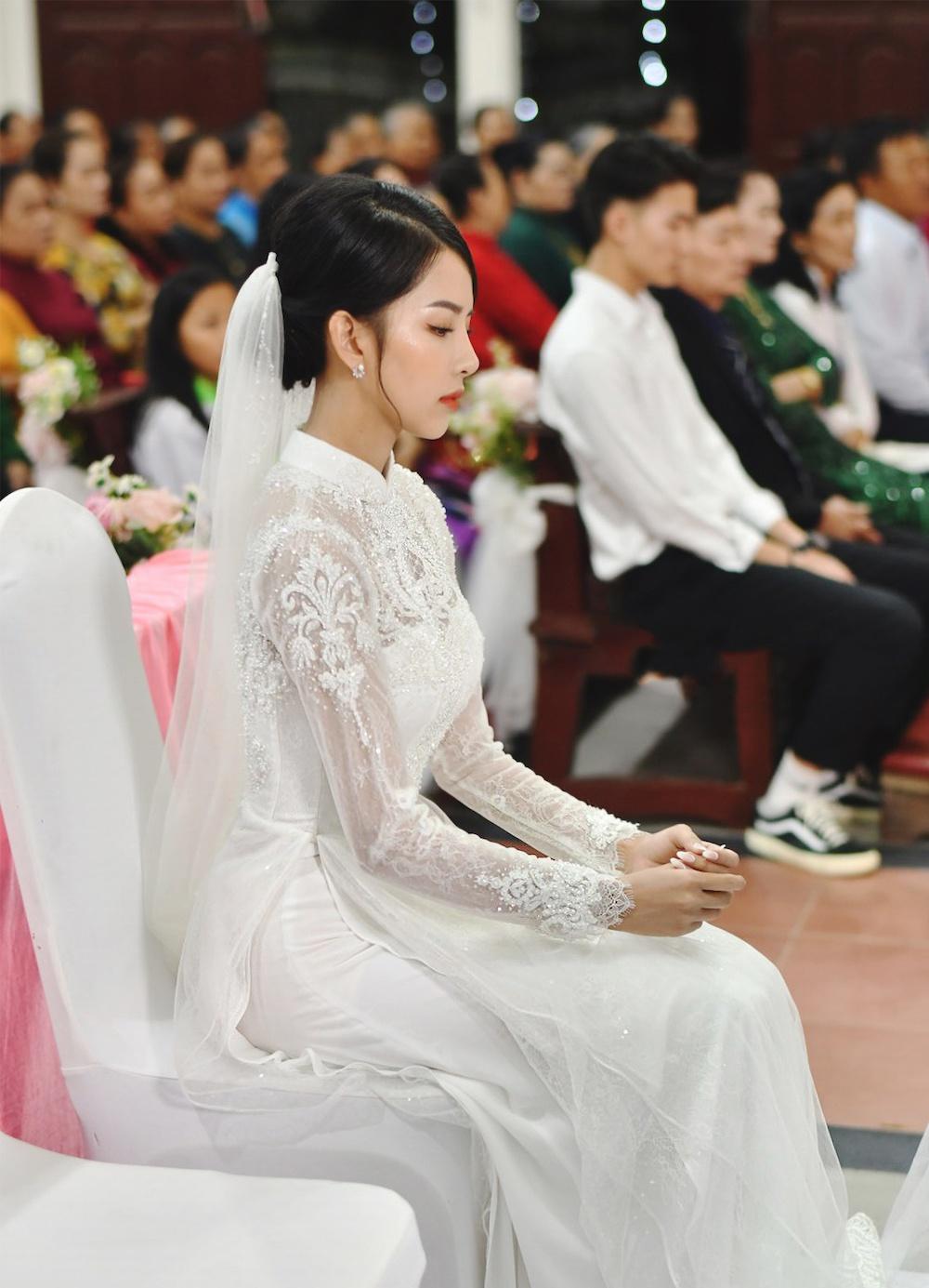 Phan Mạnh Quỳnh làm đám cưới với bạn gái hot girl