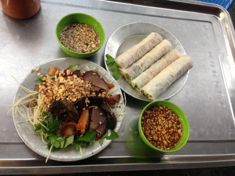 Top 10 địa chỉ thưởng thức nộm bò khô ngon nhất ở Hà Nội