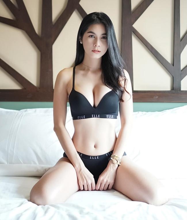 """Sao Thái gây xôn xao sân bay Tân Sơn Nhất với hot girl Việt lại """"gây sốc"""""""