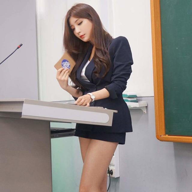 Park Hyun Seo – Nữ giảng viên nóng bỏng nhất Hàn Quốc