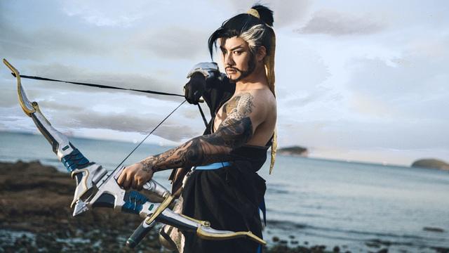 Cặp đôi Hanzo chụp ảnh cosplay cực chất trong Overwatch