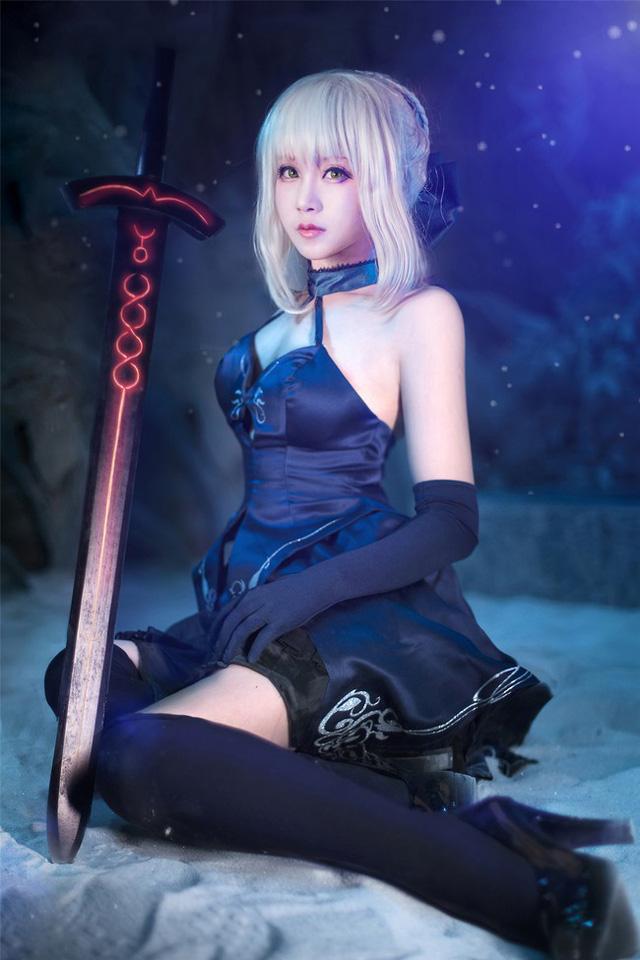 Cosplay nàng Saber tuyệt đẹp trong game hot Fate/Grand Order