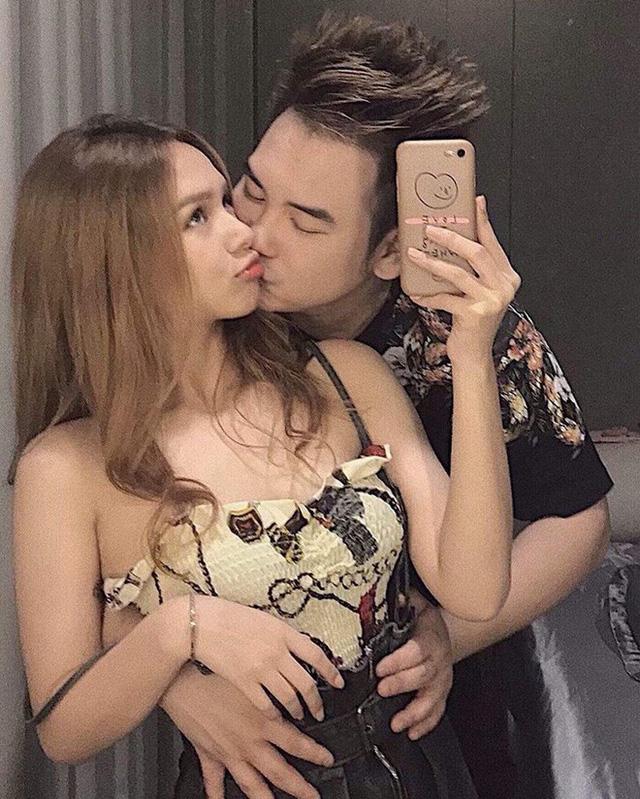 """Những couple """"chú – cháu"""" siêu đáng yêu: Đỉnh nhất là """"streamer giàu nhất Việt Nam"""" Xemesis, hơn bạn gái tận 13 tuổi!"""