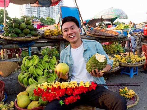 5 kênh du lịch – ẩm thực hot nhất miền Tây: Khoai Lang Thang sắp đạt nút vàng, một YouTuber trẻ tuổi khác đã làm được điều đó từ lâu