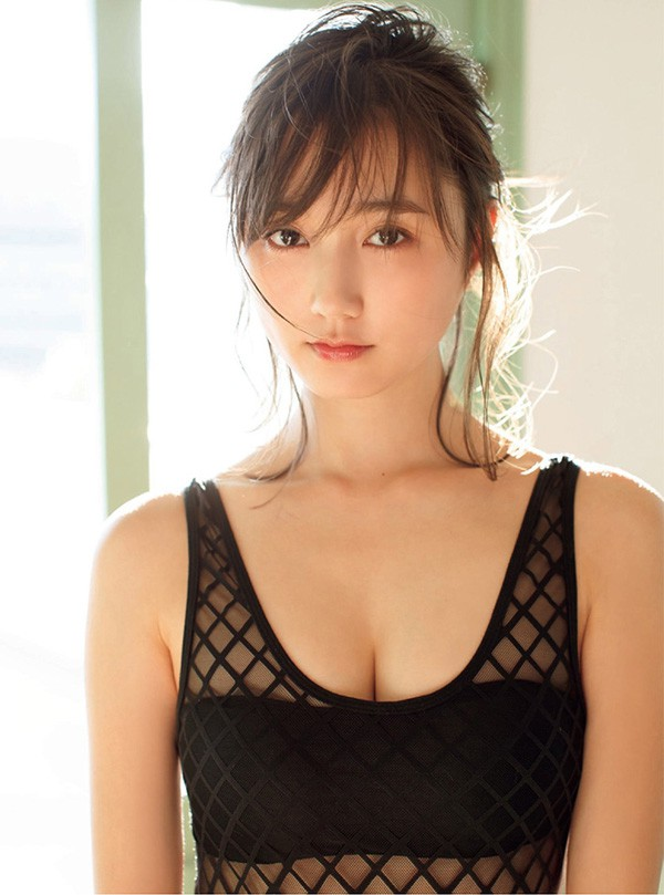 """Chiêm ngưỡng ba vòng bốc lửa của gái xinh Nhật Bản, người được mệnh danh là """"hot girl 15 giây"""""""