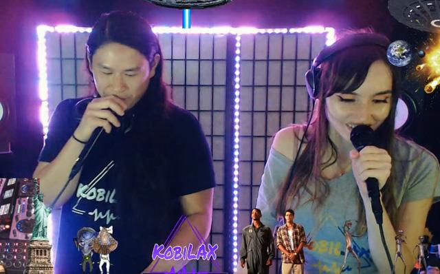 Livestream tiệc tùng, streamer câm nín khi thấy khách mời hồn nhiên cởi áo, khoe ngực trần ngay trước camera của mình