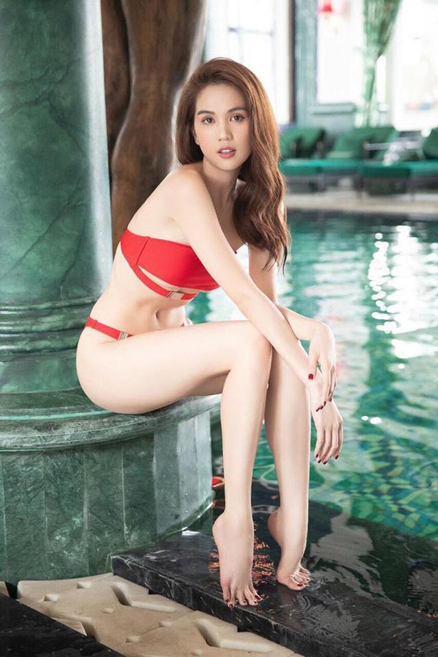 Ngọc Trinh mặc bikini đỏ rực, đầy nóng bỏng