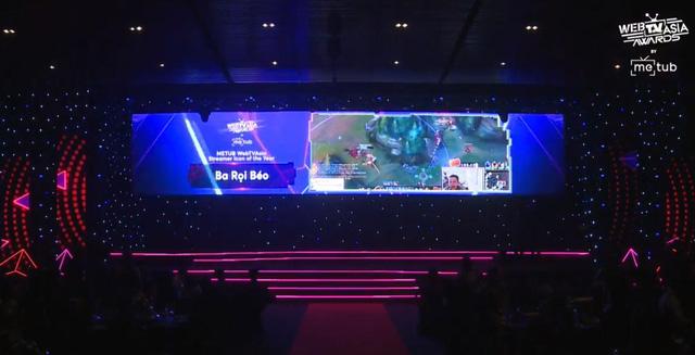 Đang tham dự All-Star, Thầy Ba vẫn được vinh danh tại giải thưởng truyền thông danh giá hàng đầu châu Á