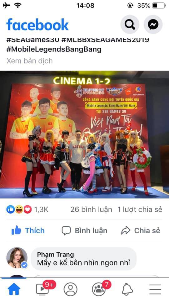 """Xemesis chụp cùng dàn cosplay xinh đẹp, Trang Phạm bảo """"Mấy em kế bên nhìn ngon nhỉ"""" – """"Toang rồi ông giáo ạ"""""""