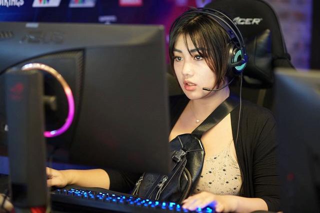 Mặt xinh dáng đẹp, hot girl CS:GO này chính xác là hình mẫu người yêu trong mơ của mọi game thủ Việt