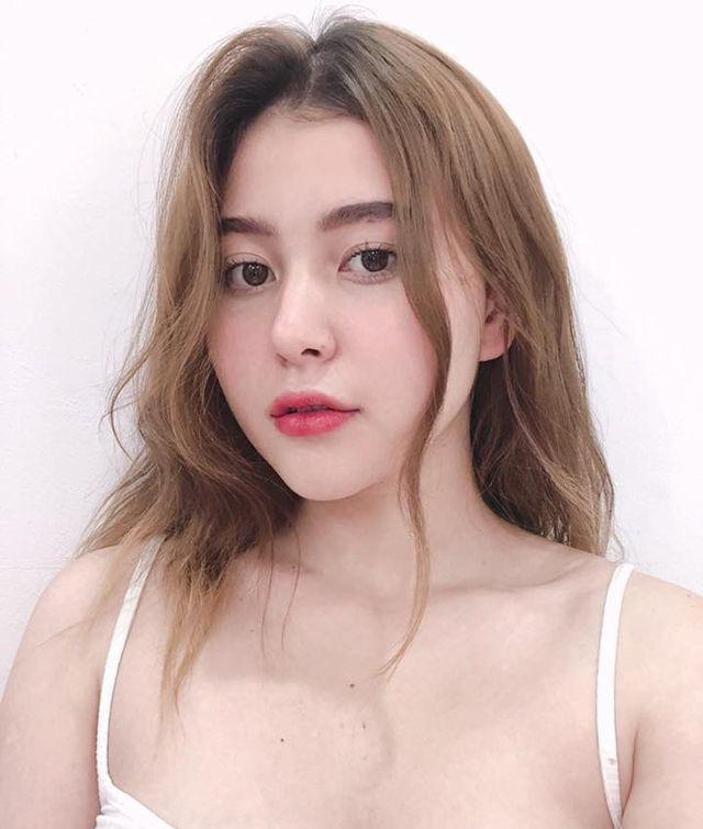 Những hot girl lai Việt chẳng những xinh đẹp mà còn gợi cảm hết phần thiên hạ