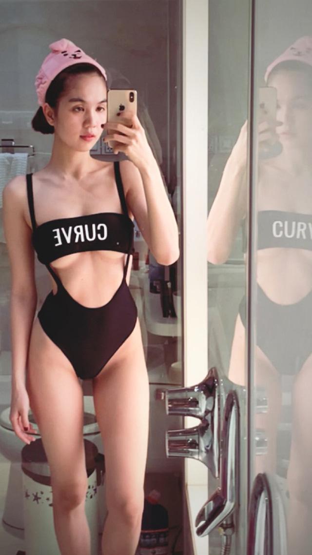 """Diện bikini hở nửa ngực khoe vòng một căng tràn hờ hững, Ngọc Trinh khiến cộng đồng mạng """"chảy máu"""" mắt"""