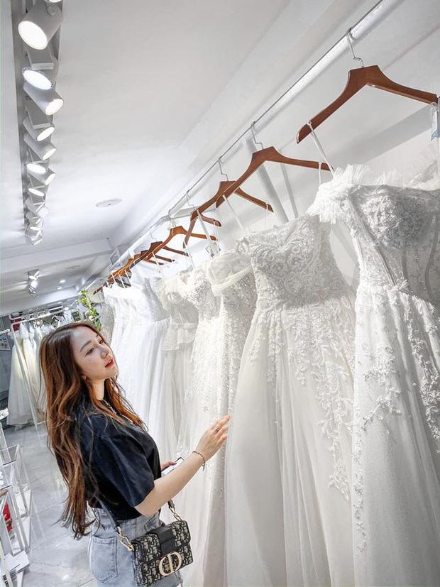 Nóng: Streamer quốc dân Kiều Anh Hera bất ngờ khoe ảnh mặc váy cưới, nàng sắp lên xe hoa?