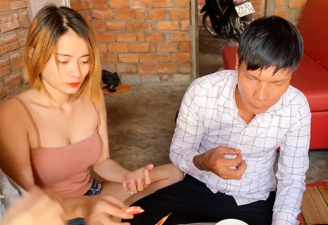 Lộc Fuho đổi đời, xây nhà cao cửa rộng nhờ Youtube, người yêu cũ ngay lập tức quay lại gây tranh cãi