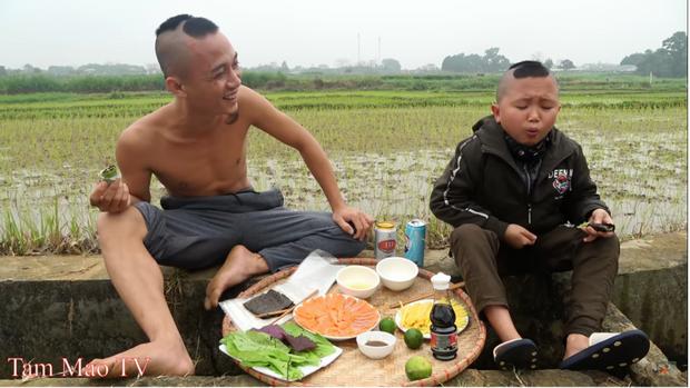 Anh em Tam Mao TV gây bất ngờ với biệt phủ rộng 800m2 tại Ba Vì, Youtuber làm chơi giàu thật là đây?