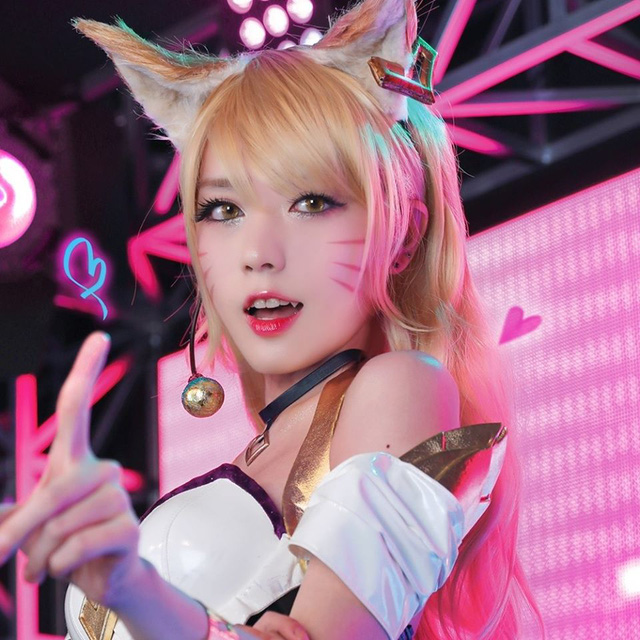 'Quên luôn bản gốc' với những màn hóa thân thành cô nàng Hồ ly Ahri nóng từng centimet của nữ cosplayer xứ kim chi