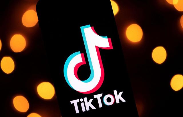 Yua Mikami và hàng loạt mỹ nhân 18+ chuyển qua dùng Tiktok để chiều lòng fan hâm mộ