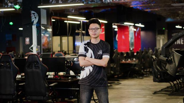 """Nóng: MC Minh Nghi úp mở công khai nửa kia, hóa ra là """"người đàn ông trong sáng nhất"""" làng streamer Việt"""