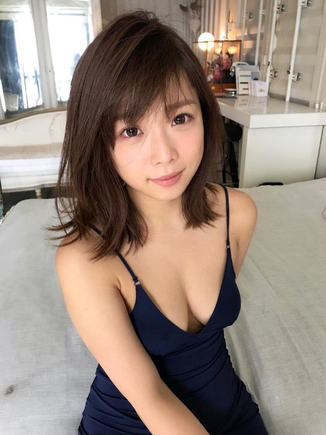 """Bảng xếp hạng top 3 """"hot girl"""" của làng phim người lớn Nhật Bản, bất ngờ khi gương mặt xinh nhất lại đứng cuối"""