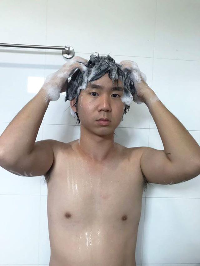 Anh chàng Thái Lan cosplay nhân vật manga bằng dầu gội đầu khiến fan méo mặt vì cười