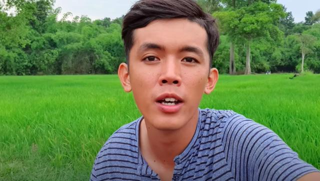 Youtuber nghèo nhất Việt Nam chia sẻ cuộc sống thay đổi sau một năm làm vlog: sửa được nhà, mua được máy quay, xe mới