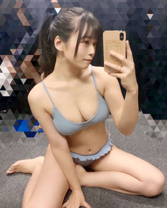 Phát sốt với thiên thần siêu gợi cảm trong phòng gym, CĐM soi info mới biết hóa ra là hot girl vòng một cả mét