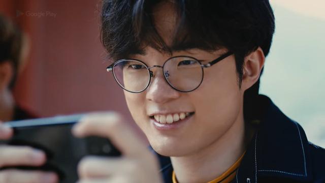"""Ai rồi cũng Tốc Chiến thôi: Quốc bảo mỹ nữ xứ Hàn – Yoona (SNSD) đăng ảnh try-hard game, lại còn quẩy """"Dasua"""" cực căng"""