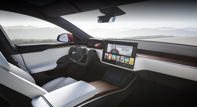 Chiều chuộng game thủ, Elon Musk tung ra mẫu xe siêu bá đạo, chơi được cả game bom tấn AAA