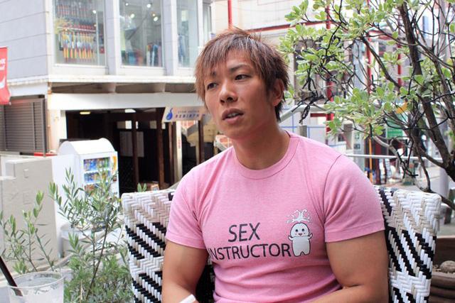 """Ken Shimizu lý giải tại sao các diễn viên hay hét lên ở đoạn kết, kể chuyện đồng nghiệp bị đuổi khỏi ngành vì """"quan hệ bất chính"""""""